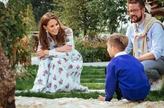Duchess Cambridge Rhs Wisely Child